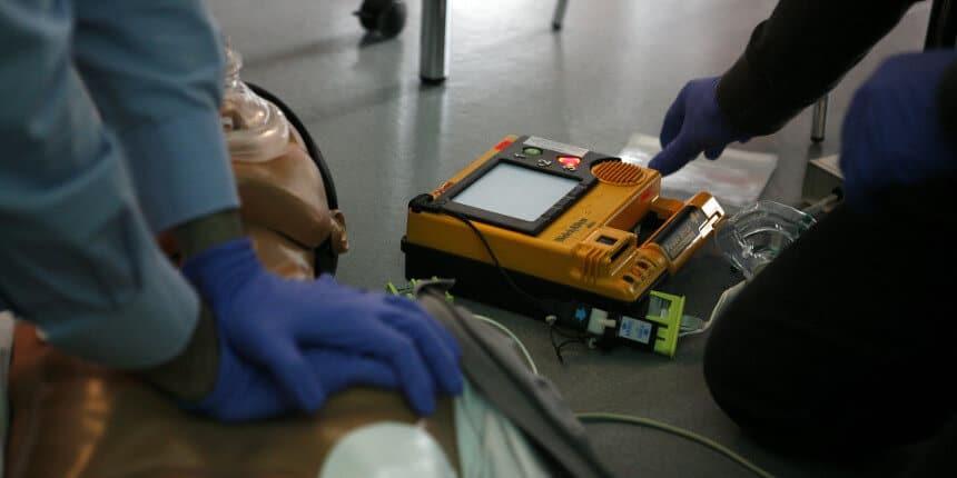 Obbligo defibrillatore per TUTTE le associazioni sportive! Come regolarsi?